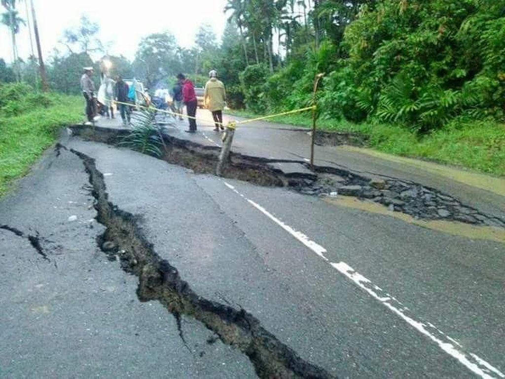 Longsor, Jalan Lintas Tengah Aceh Amblas