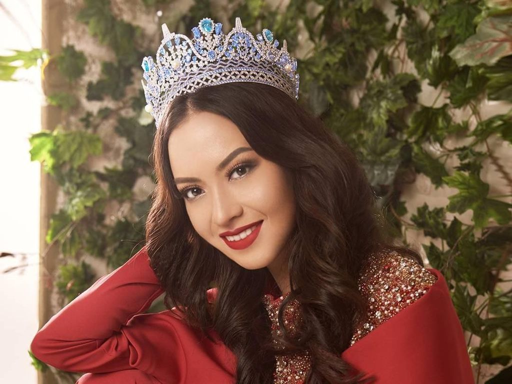 Pesona Karina Nadila, Puteri Indonesia di Top 25 Miss Supranational 2017