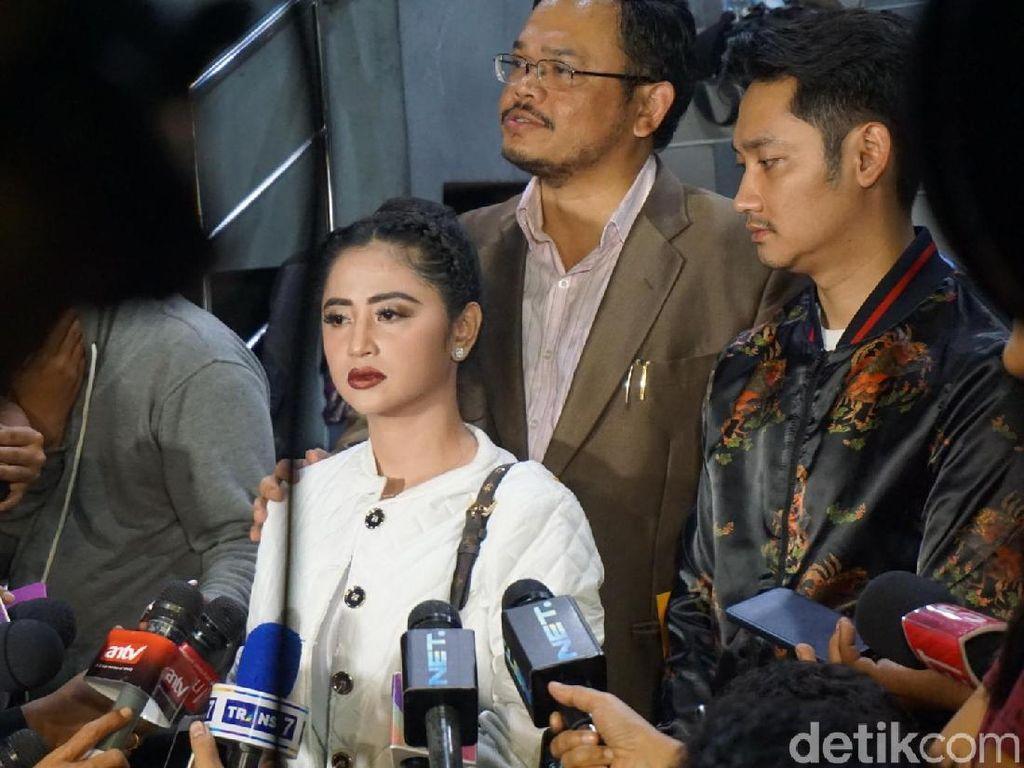 Lapor Balik Petugas TransJ, Dewi Persik Gerah Difitnah