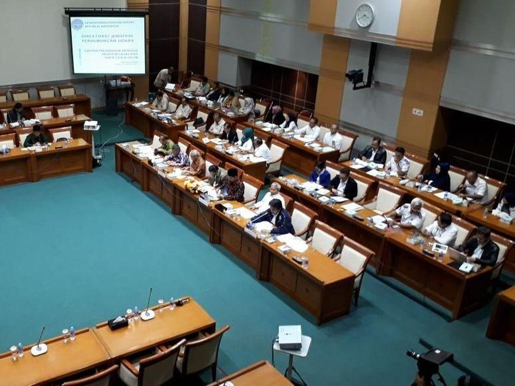 Komisi VIII DPR Rapat Dengan Menag Bahas Pelayanan Haji 2018