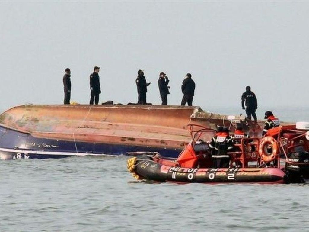 13 Orang Tewas Akibat Tabrakan 2 Kapal di Korsel