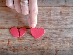 Pengusaha Wanita di Bone Polisikan Kekasih Brimob karena Tak Kunjung Dilamar