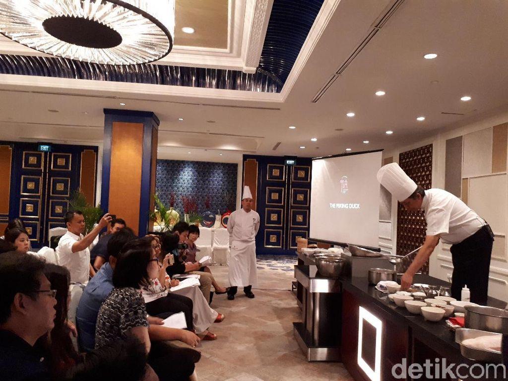 Serunya Belajar Bikin Bebek Peking hingga Hot and Sour Soup Gaya Beijing