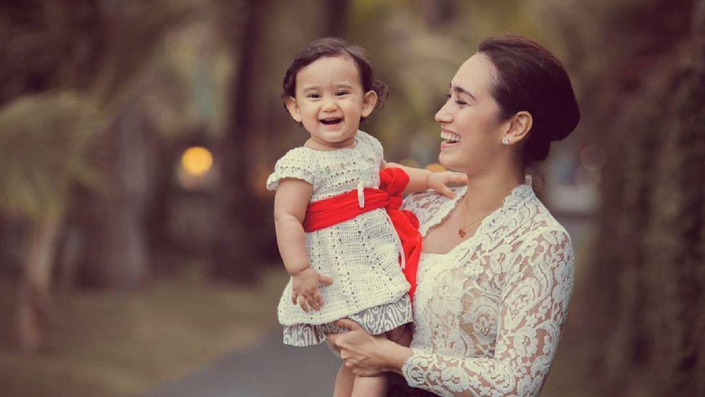 Sama-Sama Cantik! Ini Dia Potret Alexandra Gottardo dan si Kecil