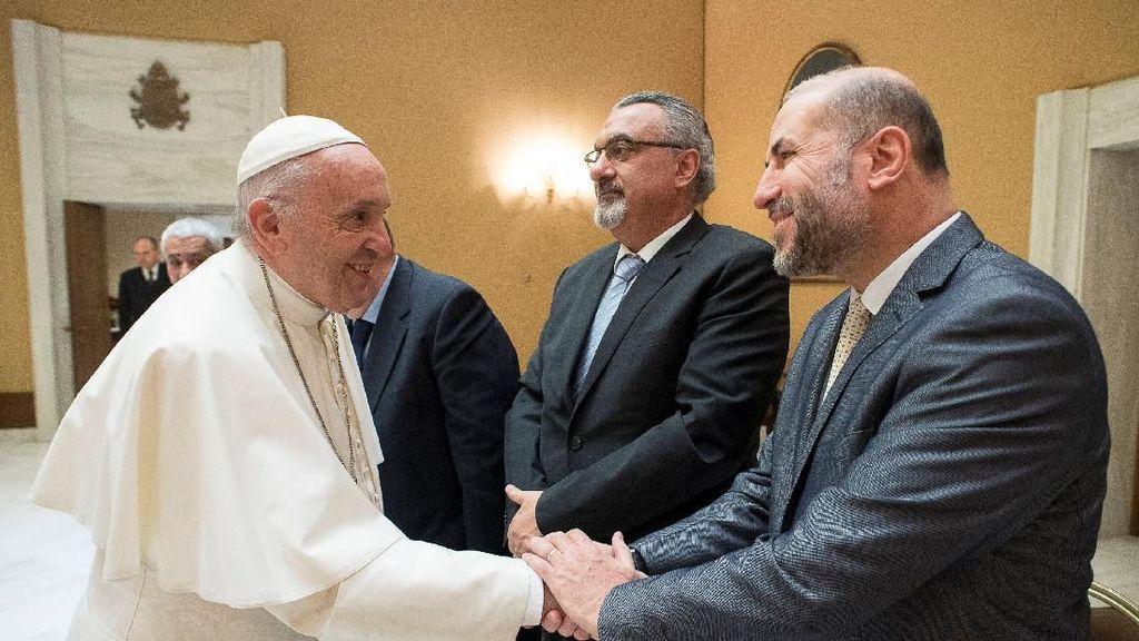 Foto: Ramai Soal Yerusalem, Paus Fransiskus Ditemui Menag Palestina