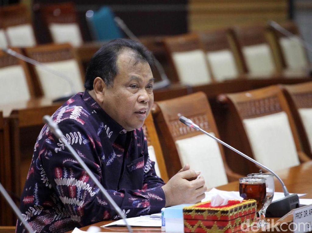 Selain Panglima, Paripurna DPR Setujui Arief Hidayat Jadi Hakim MK