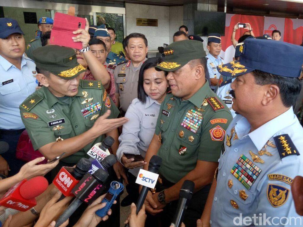 Sorot Kamera di DPR untuk Marsekal Hadi Calon Panglima TNI