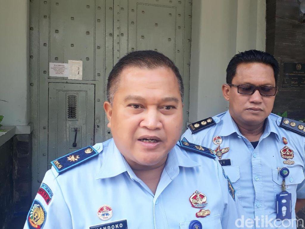 Bupati Rohul dan Eks Ketua DPRD Riau Huni LP Sukamiskin Sore Ini