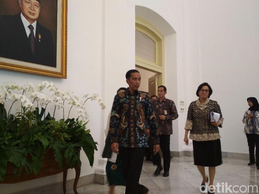 Jokowi Undang Sri Mulyani hingga Gubernur BI, Bahas Rupiah?