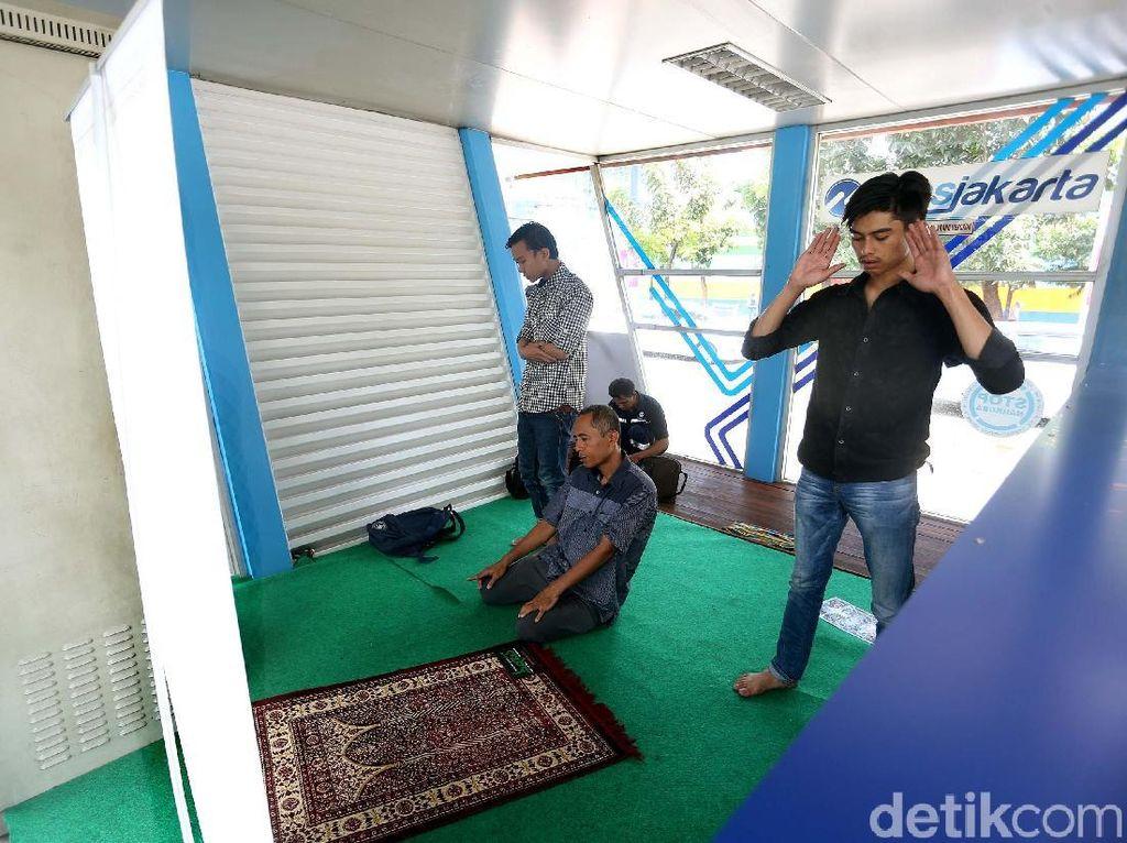 Halte TransJakarta Karet juga Dilengkapi Musala