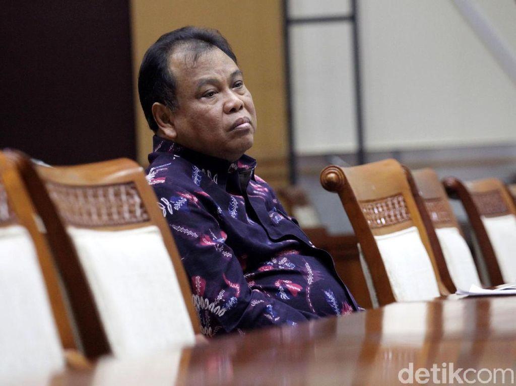 Guru Besar Minta Ketua MK Mundur, Kaitan dengan Putusan Angket?