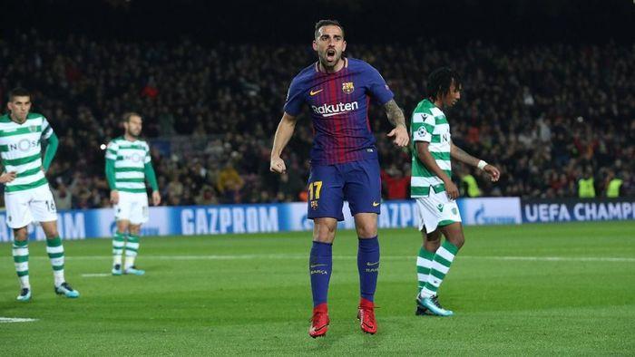 Paco Alcacer merayakan gol pertama Barcelona (Albert Gea/Reuters)