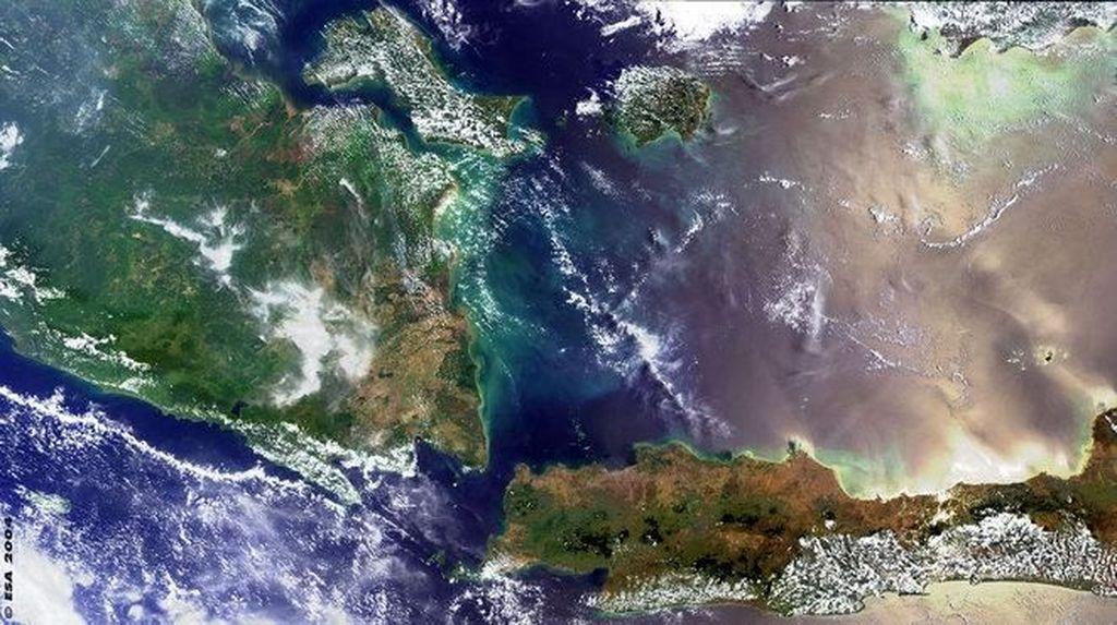 Keren! Wajah Indonesia Dilihat dari Luar Angkasa