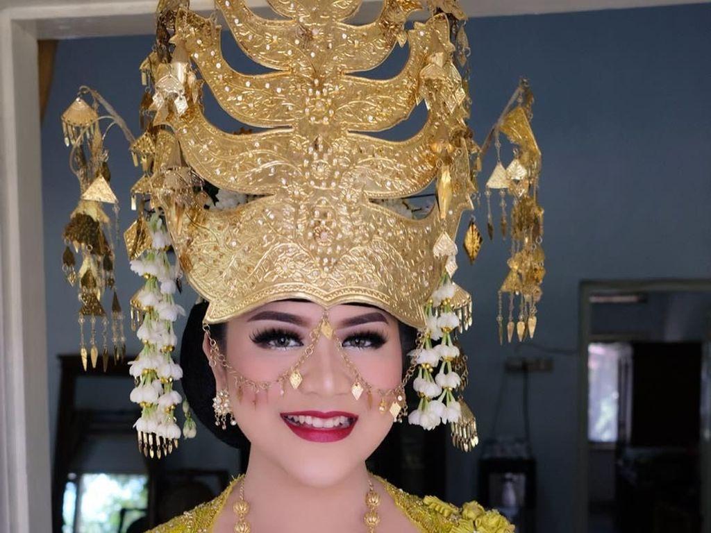 Cantiknya Kahiyang Ayu Pakai Kebaya Pengantin Saat Pemotretan di Istana Bogor