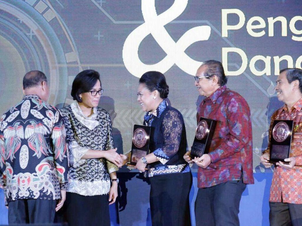Dana Rakca Award 2017 untuk Kepala Daerah Berprestasi