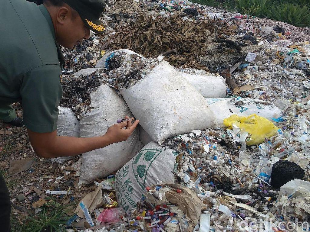 Tumpukan Limbah Medis di Tepi Jalan Gegerkan Cirebon, Milik Siapa?