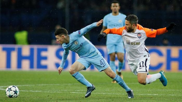 Shakhtar Donetsk saat menghadapi Manchester City musim lalu (Valentyn Ogirenko/Reuters)