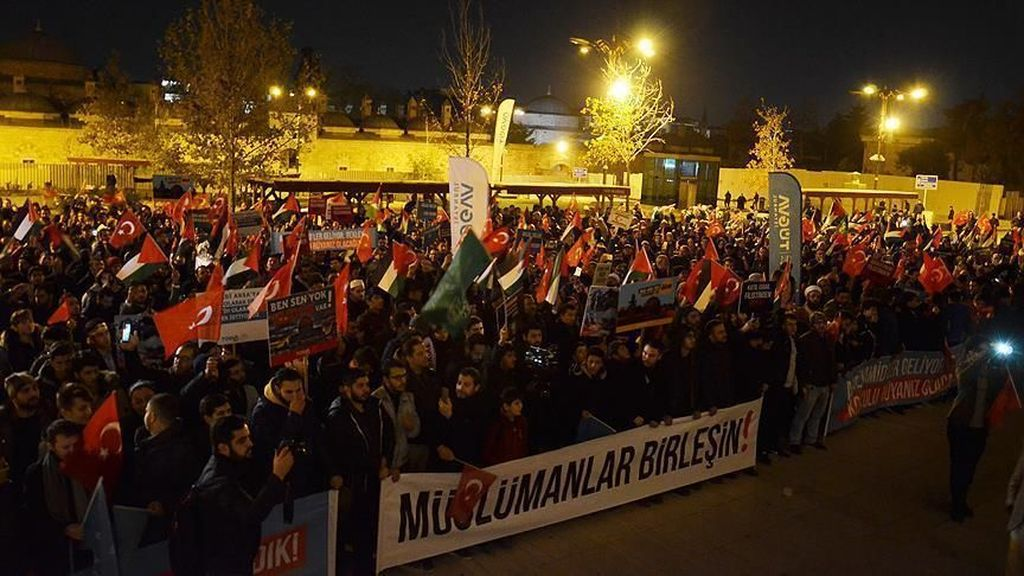 Protes Trump Soal Yerusalem, Ribuan Warga Turki Turun ke Jalan-jalan