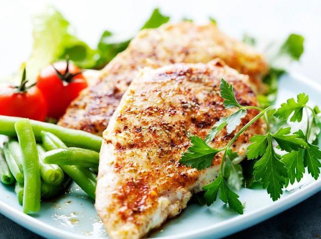 12 Makanan Berprotein Tinggi yang Dibutuhkan Selama Puasa