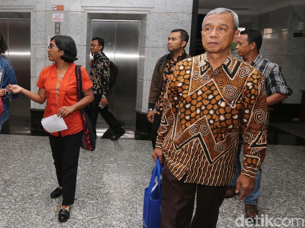 Lobi-lobi Ketua MK-DPR, Busyro Resmi Cabut Gugatan Pansus KPK