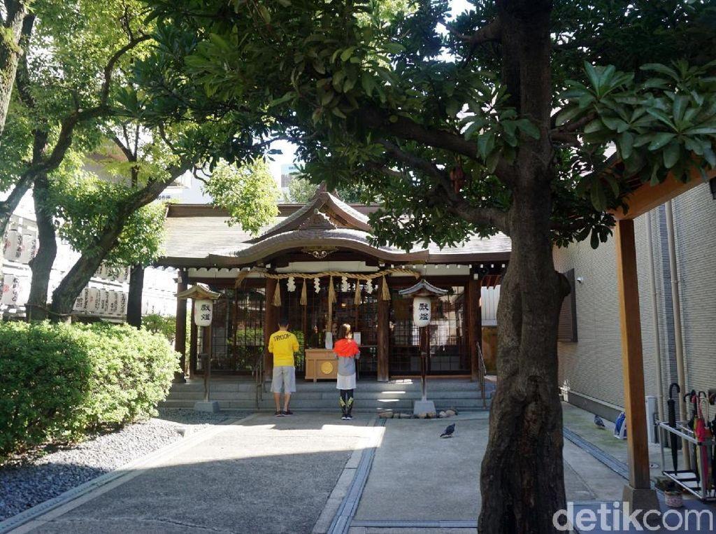 Foto: Kuil Mungil Tapi Sakti dari Jepang