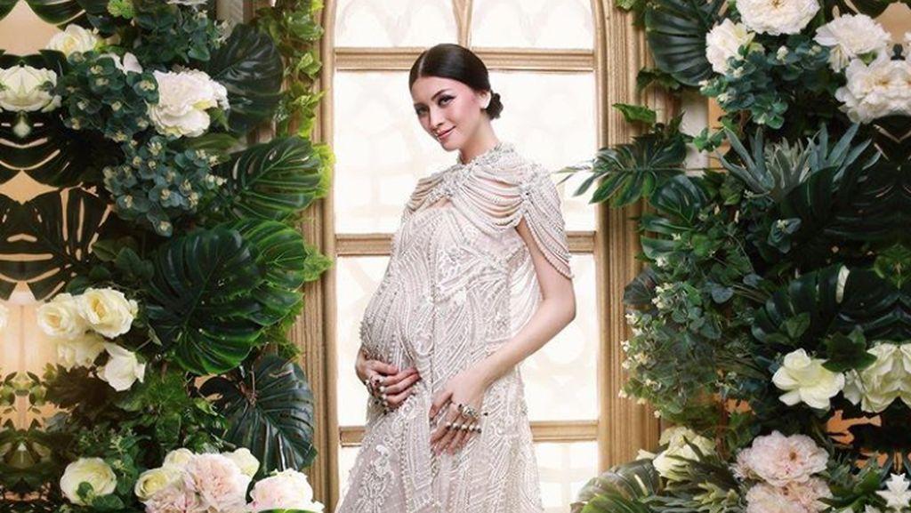 Hamil Anak Kedua, Donita Makin Cantik Seperti Bidadari