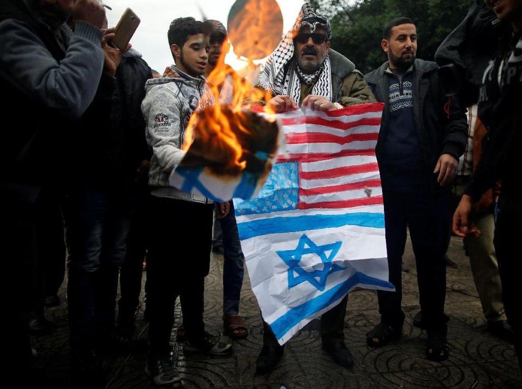 Alumni 212 Serukan Negara Islam Tolak Pengakuan AS soal Yerusalem