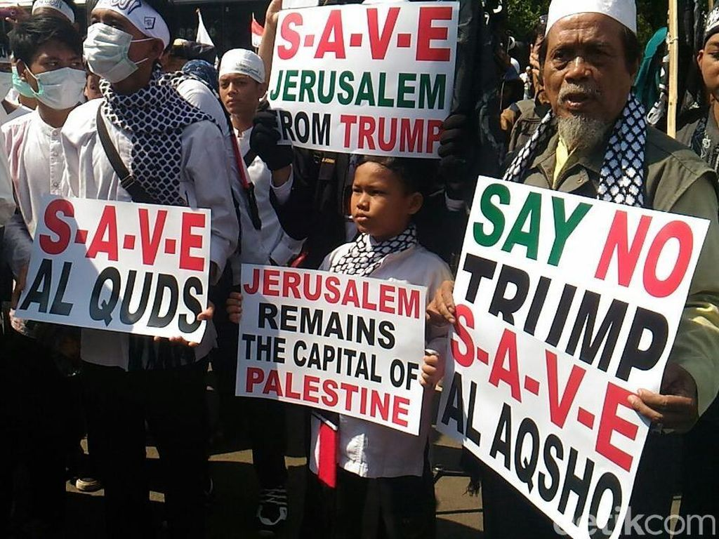 Massa Pendemo di Kedubes AS Desak PBB Akui Kemerdekaan Palestina
