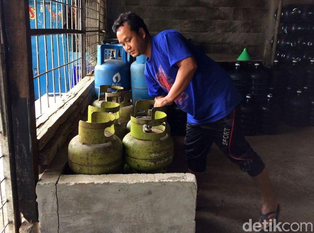 Pedagang di Sukabumi 2 Minggu Tak Dapat Pasokan Elpiji 3 Kg