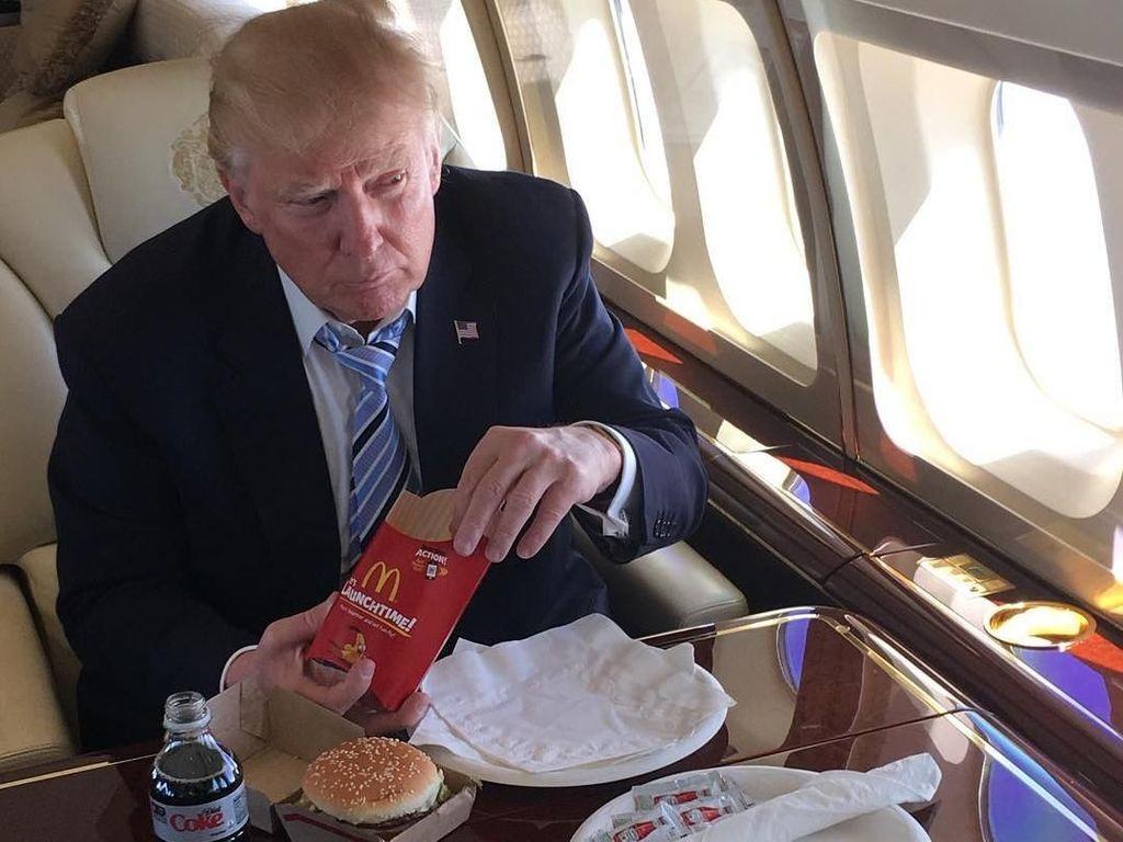 Wah! Sekali Makan Fast Food, Donald Trump Mengasup 2.500 Kalori