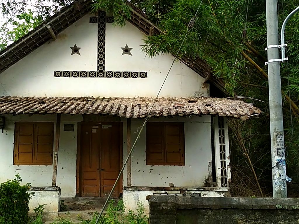 Rumah Hantu di Blitar yang Viral, Warga: Kosong Tapi Tak Berhantu