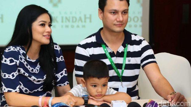 Tips Andalan Titi Kamal Rayu Anak agar Mau Ditinggal Bulan Madu