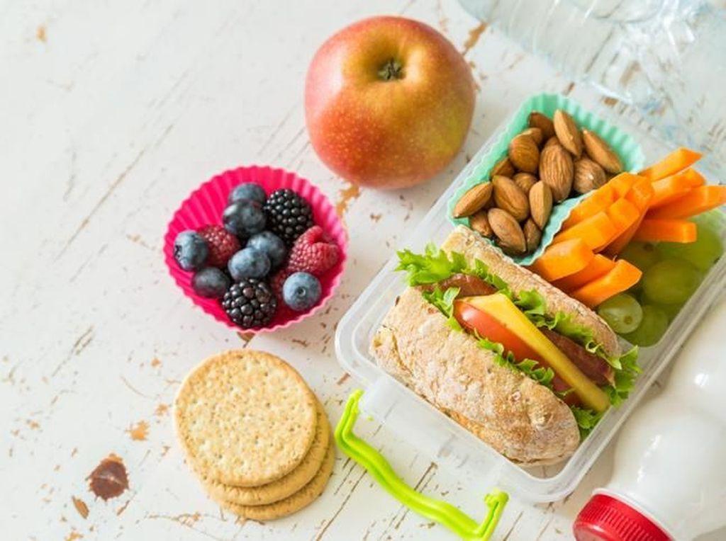 5 Trik Praktis Siapkan Bekal Kantor yang  Sederhana dan Sehat