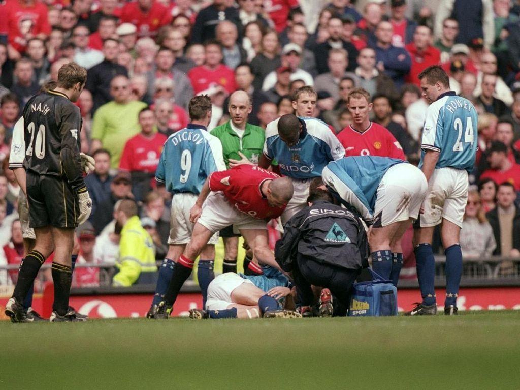 Derby Manchester: Tekel Keane, Salto Rooney, Kaus Balotelli