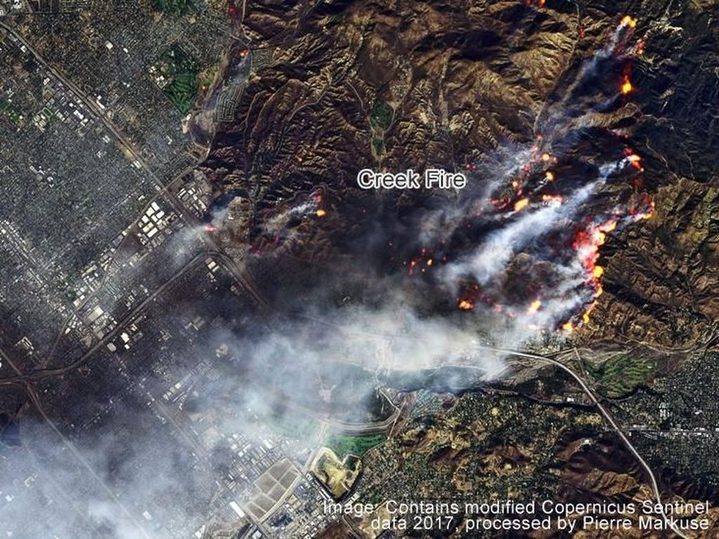Masuk Hari Kelima, Kebakaran di California Diperparah Angin Kencang