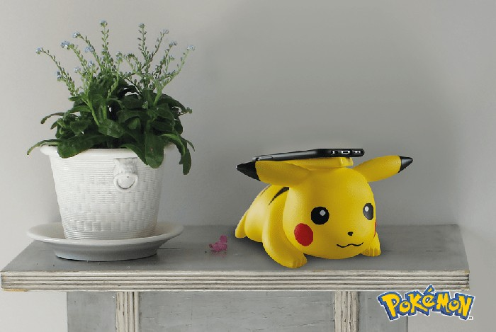 Lucu! Pikachu Dapat Charge Iphone X Secara Nirkabel