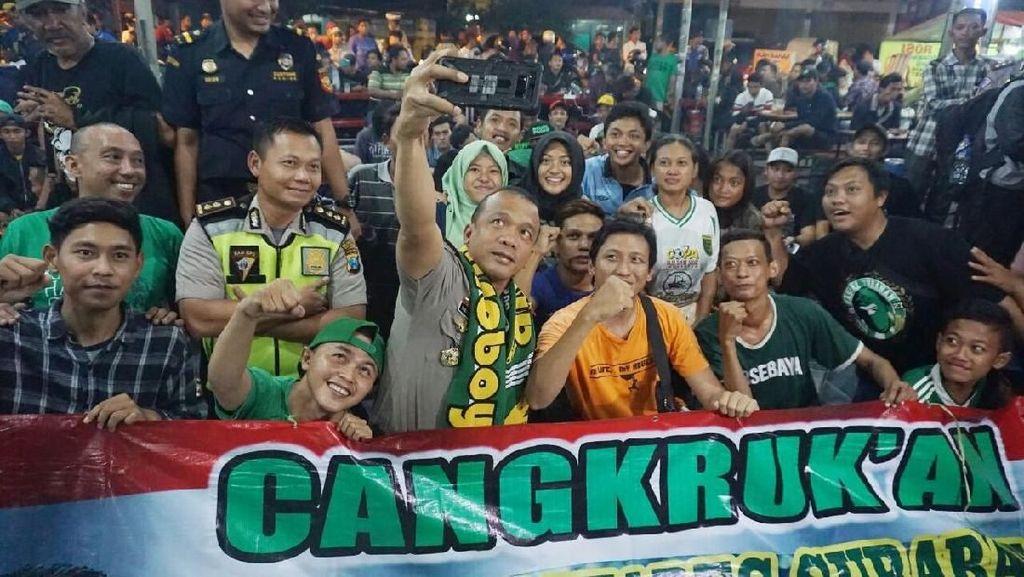 23 Polsek di Surabaya Malam Ini Gelar Nobar Persebaya