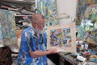 Michael di studio lukisnya (Fitraya/detikTravel)