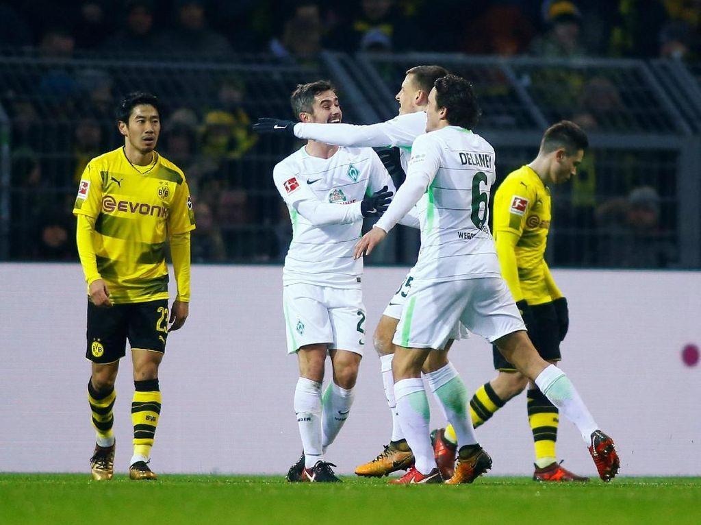 Dipermalukan Werder Bremen, Dortmund Perpanjang Laju Negatif