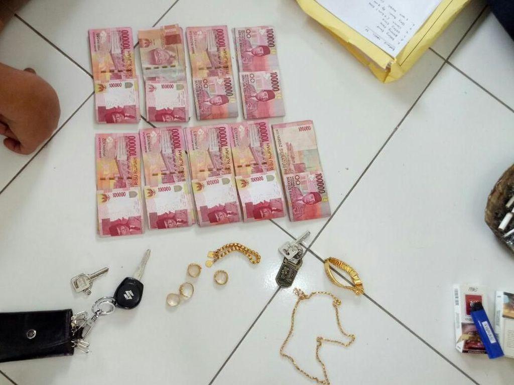 Bawa Kabur Duit Perusahaan, Pria ini Ditangkap Polisi