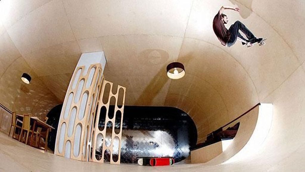 Siapa Bilang Enggak Bisa Main Skateboard di Rumah?