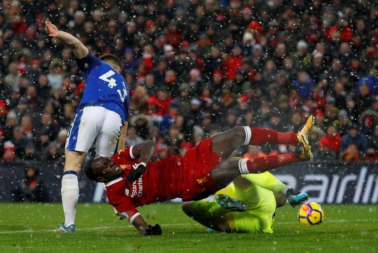 Liverpool Ditahan Everton 1-1