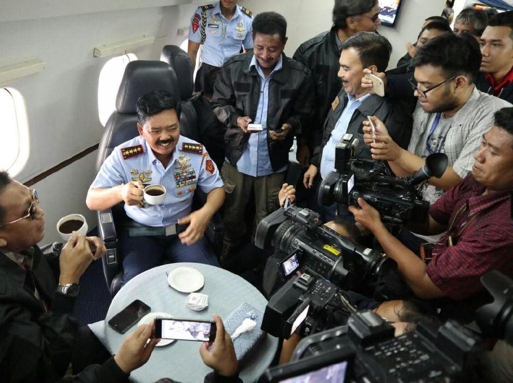 Ngopi Bareng di Udara, Panglima TNI Seruput Kopi Baringga