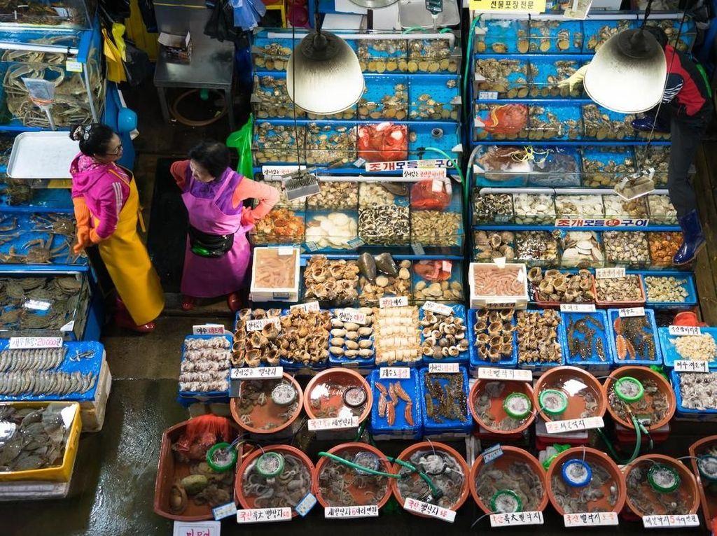 Yuk Intip, Suasana Pasar Ikan Noryangjin di Seoul, Korea Selatan