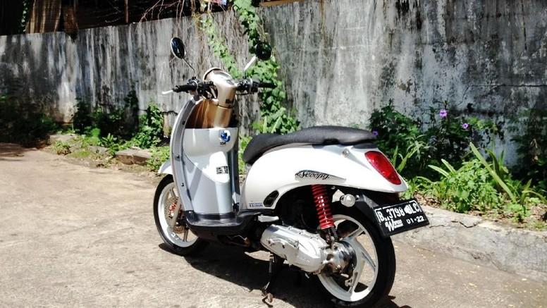 Honda Scoopy Simple Retro