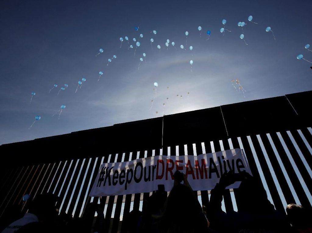Trump Tegaskan Dirinya 100 Persen Siap Tutup Perbatasan AS-Meksiko