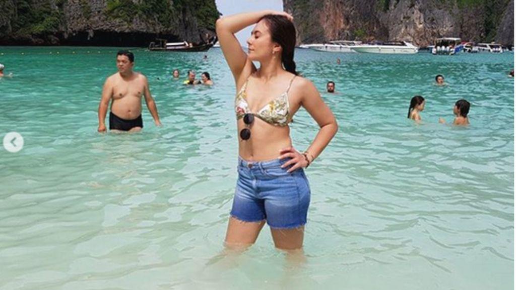 Foto: Liburannya si Hot Mom Wulan Guritno