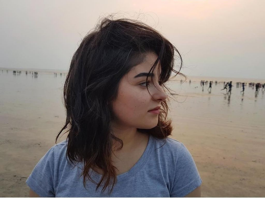 Foto: Ini Zaira Wasim, Aktris Bollywood yang Dilecehkan di Pesawat