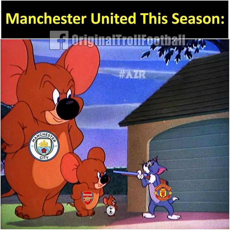 Manchester Masih Biru, MU pun Hiasi Meme-Meme Kocak