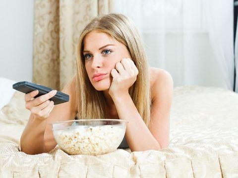 5 Manfaat Matikan TV Seharian, Bunda Perlu Simak